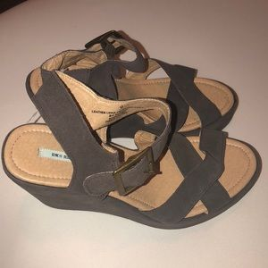 New Urban Outfitters wedges